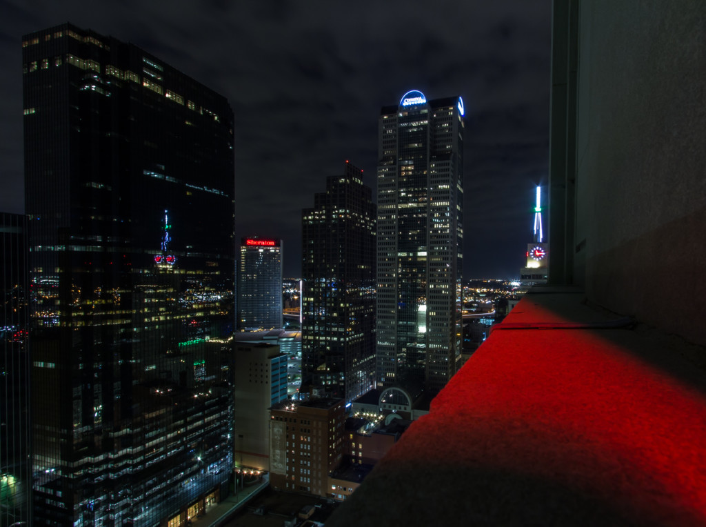 Image of a ledge in downtown Dallas, taken while rooftopping
