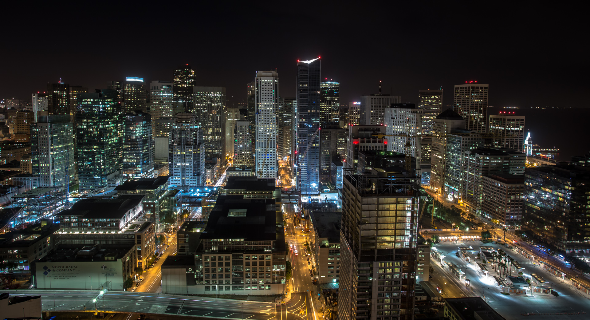 View of San Francisco downtown while rooftopping at night