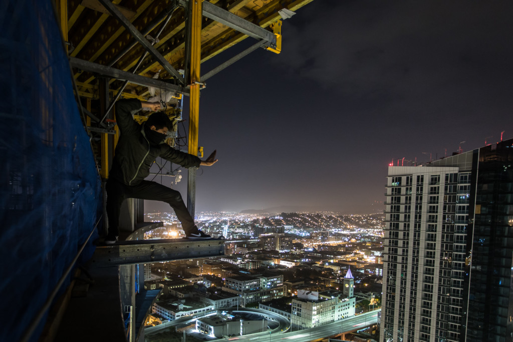 Ninja rooftopping in San Francisco at night