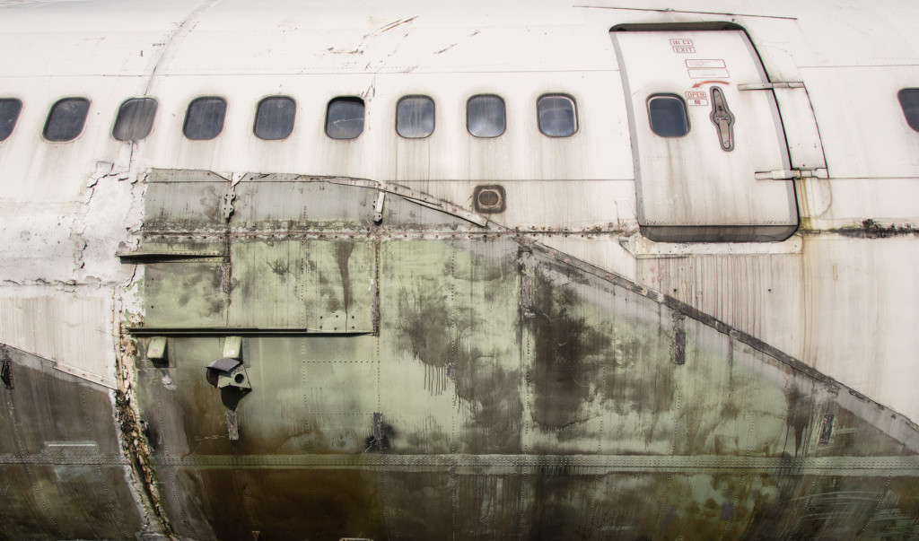 Side profile of an abandoned Boeing 747