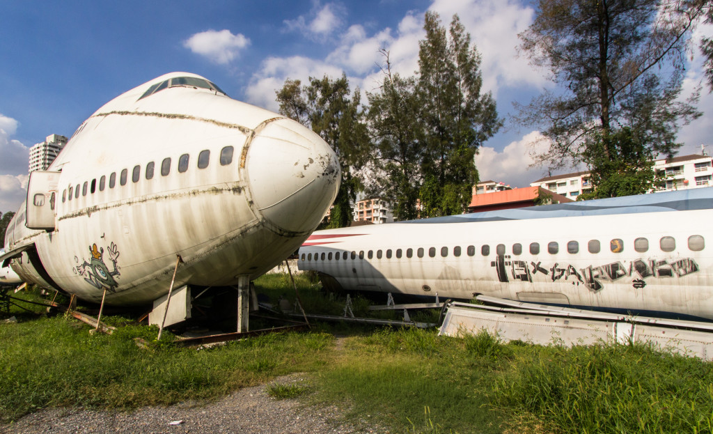 Image of two abandoned jets in Bangkok, Thailand